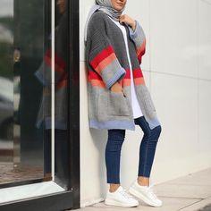 New hijab fashion inspirational looks – Just Trendy Girls Street Hijab Fashion, Muslim Fashion, Modest Fashion, Fashion Outfits, Casual Hijab Outfit, Hijab Chic, Hijab Dress, Modest Dresses, Modest Outfits