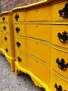 Light distressing on just the edges on this great yellow dresser, From 23 Expressive Yellow Painted Furniture Ideas Furniture Logo, Classic Furniture, Cheap Furniture, Unique Furniture, Shabby Chic Furniture, Rustic Furniture, Vintage Furniture, Furniture Design, Furniture Ideas