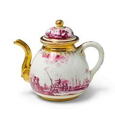 A Meissen porcelain teapot with purple decor. H 13.5 cm. 1730s, decor in the manner of Christian Friedrich Herold.