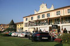 Le auto esposte all'arrivo alla Montecchia #50anni911 #porsche911 #porschepadova