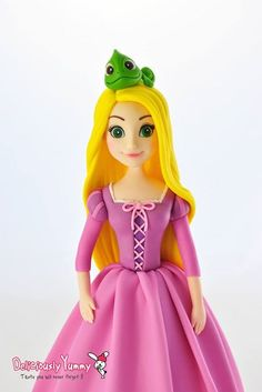 Rapunzel Diy Cake Topper, Fondant Cupcake Toppers, Fondant Bow, Fondant Flowers, Fondant Cakes, Long Hair Princess, Polymer Clay Disney, Rapunzel Cake, Rapunzel Birthday Party