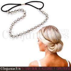 Esta preciosa #diadema de strass plateado con banda elástica negra convertirá tu aspecto con facilidad. Un accesorio muy utilizable en fiestas y eventos de cualquier época del año ★ Precio: 9,95 € en http://www.conjuntados.com/es/diadema-de-strass-con-elastico.html ★ #novedades #strass #circonitas #zirconia #felpa #paratupelo #hair #pelo #ForYourHair #conjuntados #conjuntada #accesorios #complementos #moda #fashion #fashionadicct #picoftheday #outfit #estilo #style #GustosParaTodas