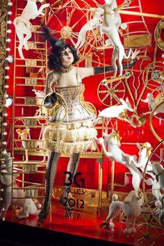 Bergdorf Goodman Jazzes Up Fifth Ave with Its Holiday Windows - Holly Jolly Windows - Racked NY