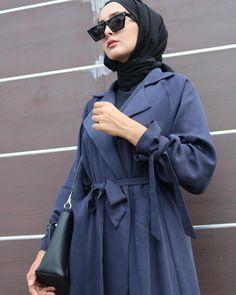 Fashion Teenage Modest Teenagers - - Fashion Teenage Modest Teenagers Source by Abaya Fashion, Modest Fashion, Trendy Fashion, Fashion Dresses, Womens Fashion, Luna Fashion, Casual Hijab Outfit, Hijab Chic, Hijab Dress