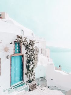 What are the Best Hotels in Santorini? What To Do while on the island? How to get to Santorini? The Places Youll Go, Places To Go, Santorini Grecia, Places To Travel, Travel Destinations, Travel Goals, Travel Hacks, Travel Essentials, Travel Ideas