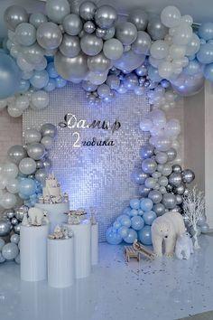 Birthday Balloon Decorations, Birthday Balloons, Sequin Wall, Baby Shower Deco, Winter Wonderland Party, Balloon Backdrop, Balloon Gift, Partys, Baby Birthday