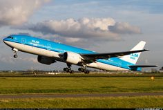KLM Royal Dutch Airlines Boeing 777-206/ER