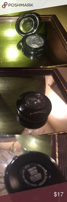 Mac green compact eyeshadow Like new swatched once. Green MAC Cosmetics Makeup Eyeshadow