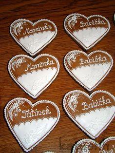 Perníkové jmenovky na svatbu   Perníky Valentine Cookies, Valentines Day, Folklore, Gingerbread, Crack Crackers, Projects, Valentine's Day Diy, Ginger Beard, Valentine Words