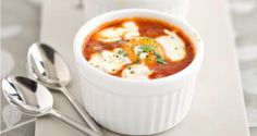 Baked Turkish eggs with yoghurt : recipe from Crumbs Magazine