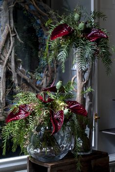 Anthurien Strauss mit Anthurien und Mohn Christmas Wreaths, Holiday Decor, Floral, Home Decor, Art, Poppy, Plants, Deco, Art Background