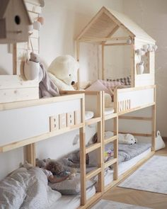 Kinderzimmer IKEA KURA house bed: The best ideas for sleeping under the roof Introduction on how to Cama Ikea Kura, Ikea Kura Hack, Ikea Bunk Bed Hack, Ikea Hack Kids, Ikea Bedroom, Baby Bedroom, Girls Bedroom, Ikea Baby Room, Lego Bedroom