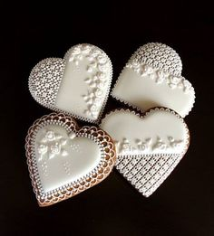 Another cute 💝💝cookies Sugar Cookie Icing, Cookie Frosting, Royal Icing Cookies, Sugar Cookies, Lace Cookies, Heart Cookies, Cupcake Cookies, Cupcakes, Valentines Day Cookies