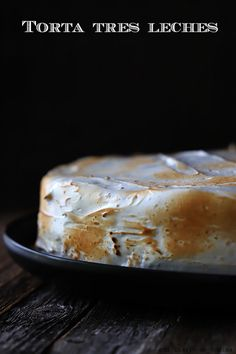 Torta tres leches Relleno, Cheese, Food, Milk Jars, Evaporated Milk, Torte Recipe, Pound Cake, Pastries, Meals