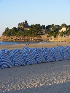 Places To See, Places Ive Been, French Beach, Region Bretagne, Belle France, Brittany France, Holiday Places, Happy Summer, Normandy