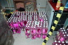 În urma unui control efectuat de inspectorii vamali la o societate comercială din Botoşani, au fost confiscate peste 10 tone de alcool, iar societatea s-a ales, ieri, cu o amendă de 100 000 de lei din cauza neregulilor descoperite.    S-a constatat că societatea respectivă a utilizat ca materie primă, pentru producerea cantităţii de 10 224 litri amestec de băutură spirtoasă, alcool etilic cu o concentraţie sub 96% în volum. Alcohol