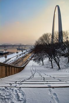 Lovely pic! Footsteps in the snow, Riverfront - St. Louis