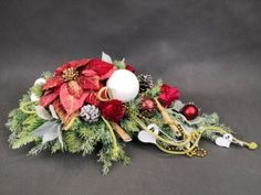 Cos, Christmas Wreaths, Holiday Decor, Floral, Flowers, Home Decor, Decoration Home, Room Decor, Royal Icing Flowers