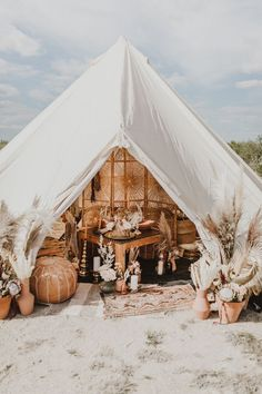 This Glamping Wedding Inspiration in Marfa, TX Will Have You Booking Your Tickets to the Desert : Boho-inspired + wildly chic glamping elopement inspo Bohemian Wedding Inspiration, Elopement Inspiration, Classic Wedding Dress, Chic Wedding, Wedding Trends, Wedding Blog, Wedding Details, Wedding Venues, Dream Wedding