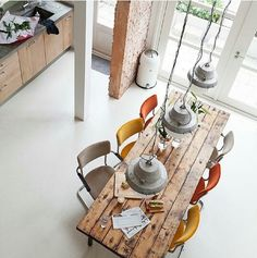 Mix+match chairs and rustic dining table (home, decor, interior design, kitchen) Sweet Home, Interior Exterior, Interior Architecture, Room Interior, Room Inspiration, Interior Inspiration, Design Inspiration, Interior Decorating, Interior Design