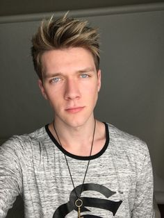You look beautiful today uploaded by Collins Key Hot Youtubers, Famous Youtubers, You Look Beautiful, Beautiful Boys, Devan Key, Cupcake Shirt, Collins Key, Handsome Faces, Curly Bob Hairstyles