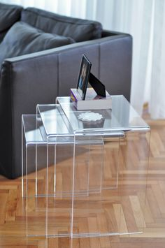 glass or plexi table