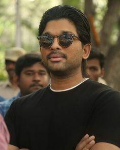 Allu Arjun Wallpapers, Allu Arjun Images, Real Hero, Super Star, Bunny, Mens Sunglasses, Singer, Actors, Stylish