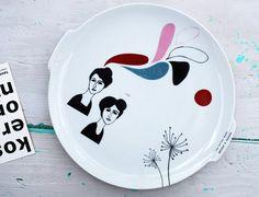 Vintage wall plate Helene & Jeanne conversating by Celinda Versluis