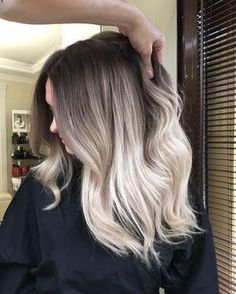 I really love the transfer color so soft #balayage #balayageombre #balayagehighlights #babylights #hairpainting #balayagehair #balayagedandpainted #coloredhair #colormelt #balayageartists #colorhair #goodhair #hairdressing #haircolor #hairstylist #hairdresser #summerhair #beautylaunchpad #americansalon #behindthechair #modernsalon #btcpics #hairbrained #ombrehair #newhair #hotonbeauty #stylistssupportingstylists #imallaboutdahair #hairartist @yaroslav_maslennikov