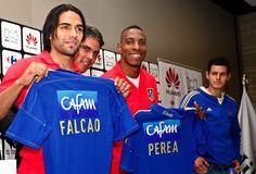Falcao y Perea en la presentación del partido contra Millonarios el miércoles a las 17:00 (hora local) en el estadio del Campín. Fuente: http://www.clubatleticodemadrid.com/index.php