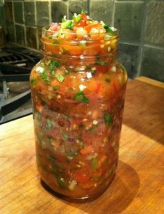 Easy salsa recipe 6 tomatoes 3 jalapenos (warning: hot) 1 medium white onion a medium red onion 1 cup cilantro 5 cloves garlic 3 limes juice 1 tbsp cumin 1 tsp sea salt 1 tsp chili powder Think Food, Love Food, Comida Tex Mex, Mexican Food Recipes, Healthy Recipes, Easy Recipes, Delicious Recipes, Recipe Tasty, Salsa Recipe Easy