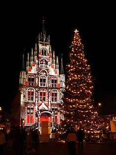 キャンドルライト・ナイト(オランダ・ゴーダ) Christmas Tree Decorations, Christmas Tree Ornaments, Merry Christmas, Xmas, Holiday Decor, Photo Today, Christmas Photos, Beautiful Christmas, Fairy Lights
