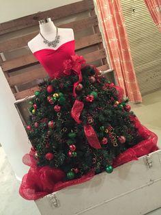 id e originale comment faire son arbre de no l avec son buste de couture buste habille et. Black Bedroom Furniture Sets. Home Design Ideas