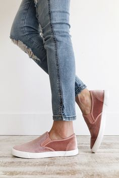 Shop our cute spring shoes including mules, flats, booties, clogs, & tennis shoes. ROOLEE shoes will help complete your Easter outfit! Sock Shoes, Cute Shoes, Flat Shoes, Slip On Shoes, Me Too Shoes, Shoe Boots, Everyday Shoes, Nike Free Shoes, Fashion Boots