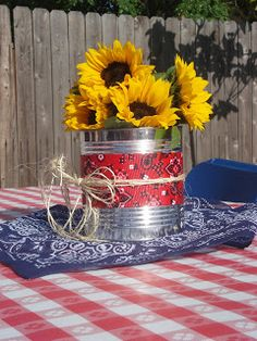 western bbq party centerpieces - tin can + bandana + twine + sunflowers Cowboy Theme Party, Farm Party, Rodeo Party, Western Party Centerpieces, Table Centerpieces, Cowboy Party Centerpiece, Birthday Centerpieces, Centerpiece Ideas, Cowboy Boot Centerpieces
