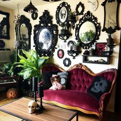 ・・・ A look into my world! 🖤☠️🎃 I'm so excited I finally found a sofa to finish my space! Goth Bedroom, Bedroom Decor, Gothic Interior, Interior Design, Interior Office, Diy Design, Goth Home Decor, Horror Decor, Gothic House