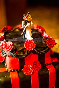 Red + Black wedding cake | Beautiful Day Photography #Black #Wedding #Cake