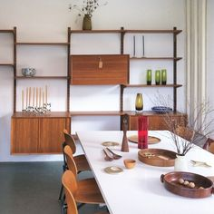 our shop today #GeorgeNelson #table #EgonEiermann #chairs #cadovius ##royal #shelf #holmegaard #glassware