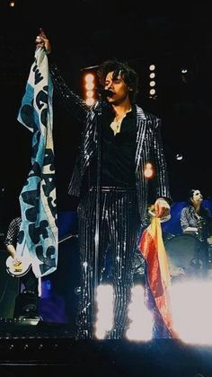 Harry on stage in Buenos Aires, Argentina May 23, 2018