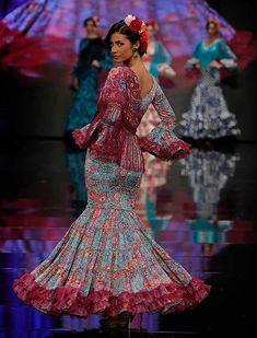 SIMOF 2018: el desfile de Yolanda Moda Flamenca, en fotos / Raúl Doblado Spanish Fashion, Maje, African Dress, Fishtail, Dress Codes, Frocks, Fashion Dresses, Actresses, Andalusia