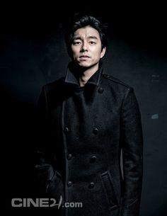 Gong Yoo - Cine21 Magazine No.932
