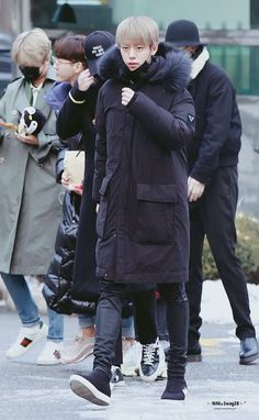 """Ο χρήστης NiNi_Swag28 στο Twitter: """"HQ❄️KBS 수고 많이 했오요❤️.❤️내일 만나요  @BAP_Daehyun #대현 #daehyun… """""""