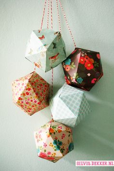 Paper ornaments made with patterned paper by Silvia Dekker from the Flow book for Paperlovers. www.silviadekker.nl