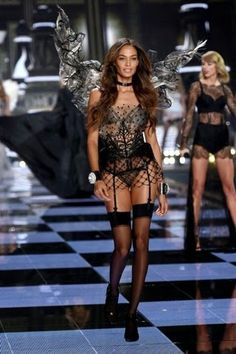 Princesa en Bancarrota: Victoria's Secret Fashion Show 2014