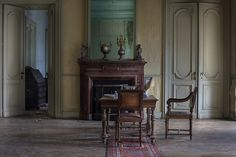 A vast abandoned mansion house lots of decay breathtaking in all ways - andre govia