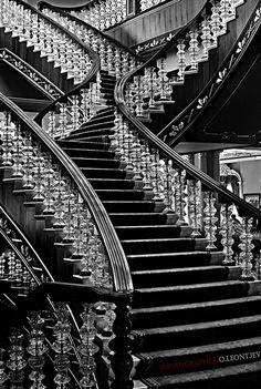 photo: Ступени. | photographer: Олег Леонтьев | WWW.PHOTODOM.COM