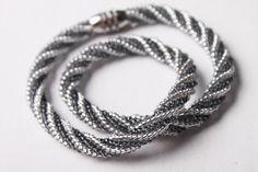Návod na šitý náhrdelník herringbone 64