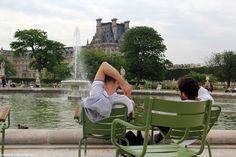 Парижские заметки 2015. Площадь   Согласия.  Отдых  у  фонтана.