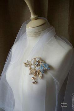 Купить Брошь-цветок с голубым опалом и мотыльком - белый, брошь, брошь ручной работы