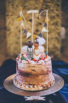 sweet wedding cake! photo by Rock This Moment http://ruffledblog.com/san-diego-party-wedding #weddingcake #cakes